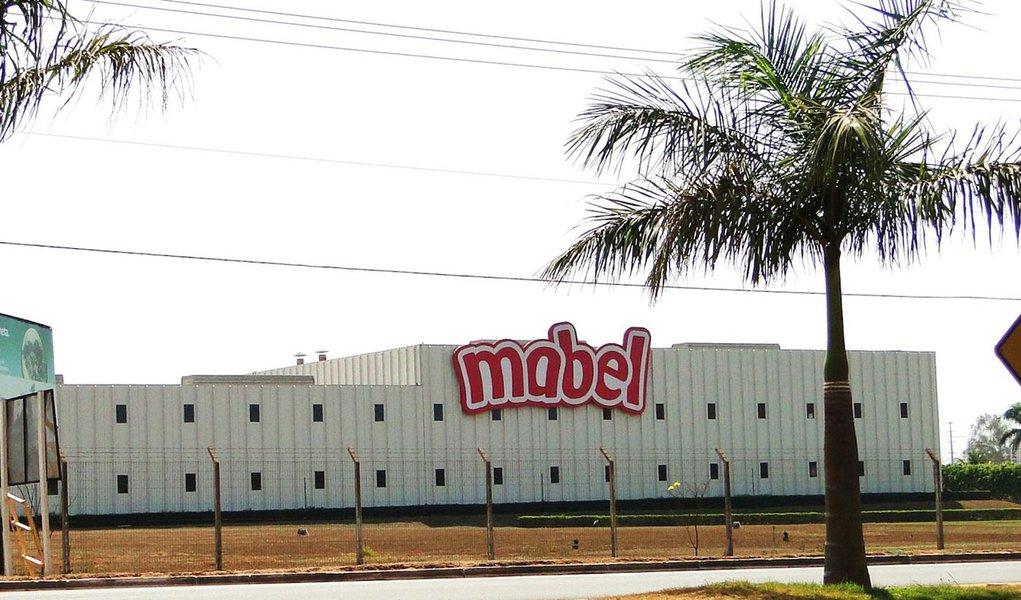 Fábrica de bolachas fecha as portas e 300 trabalhadores são demitidos no MS