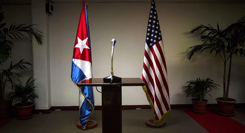 EUA intensificam bloqueio a Cuba, restringindo viagens e remessas
