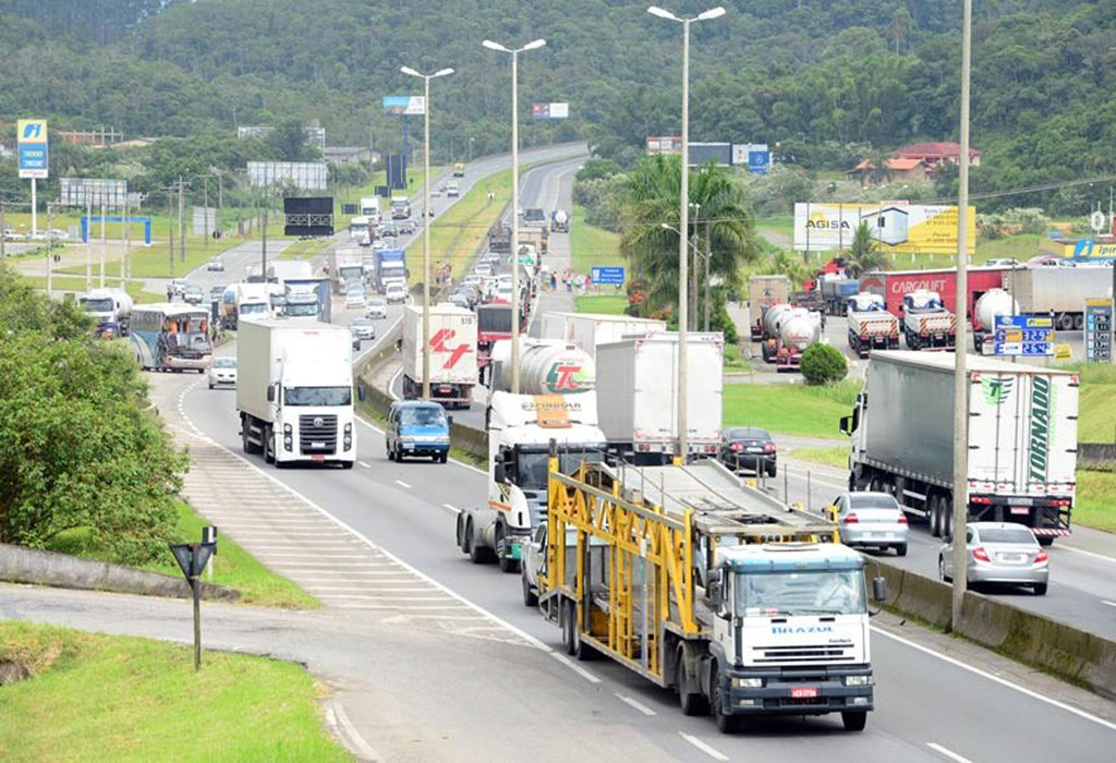 Barrar radares em rodovias é loucura, diz pesquisador