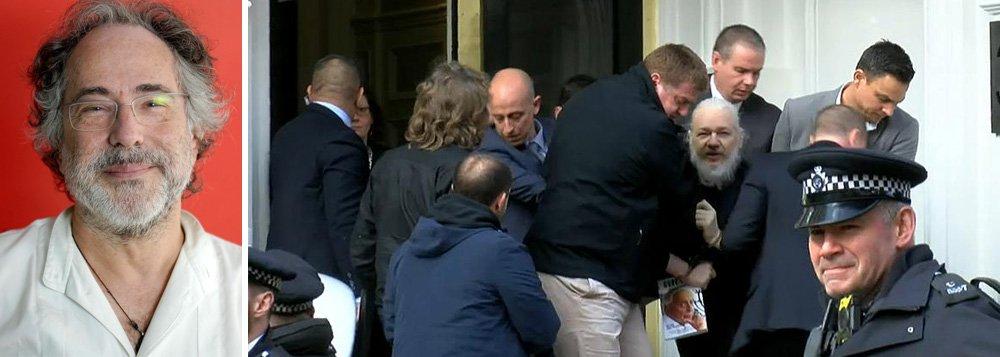 Pepe Escobar: prisão de Assange é o maior ataque ao jornalismo
