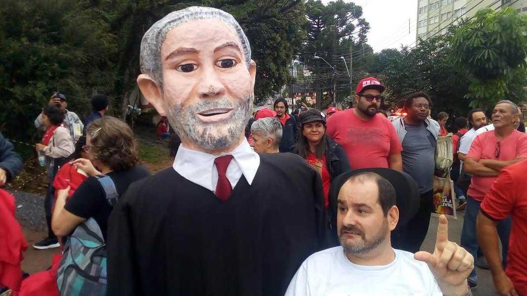 A voz calada de Lula