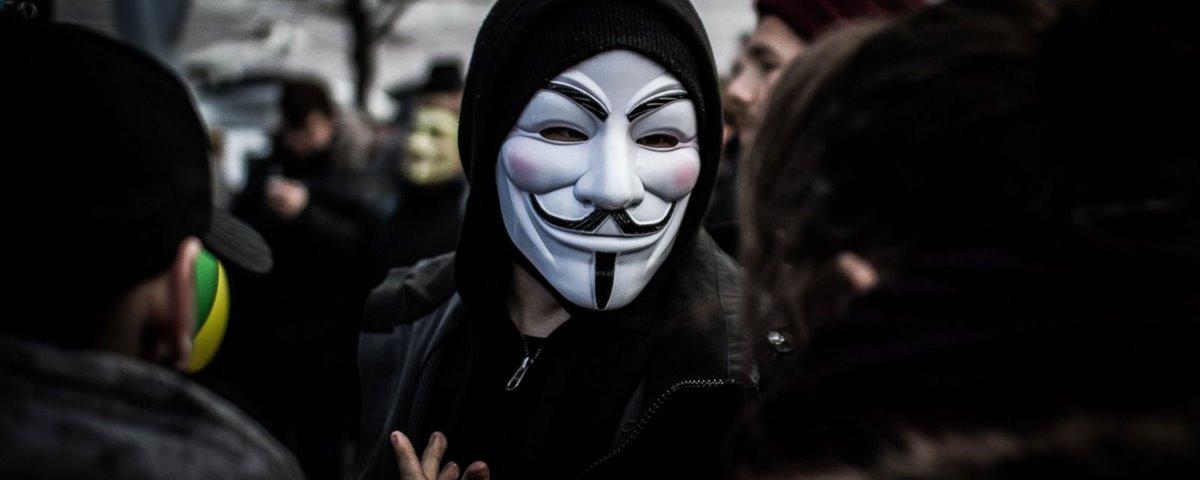 Anonymous derruba site da embaixada do Equador em Londres