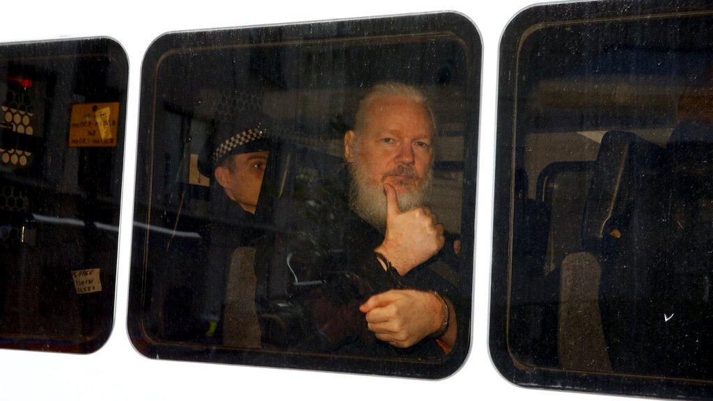 EUA denunciam Assange por conspiração
