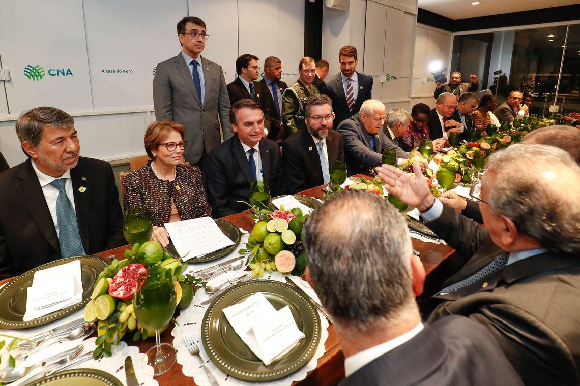 Bolsonaro tenta consertar estrago na relação com países árabes