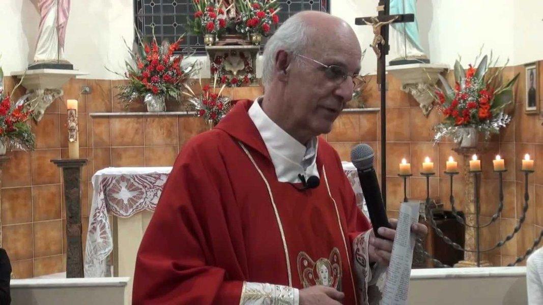 Em tom de ameaça, moradores da Mooca divulgam endereço do padre Julio Lancellotti