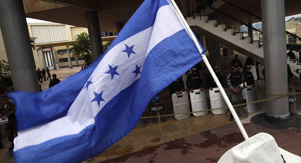 Hondurenhos vão fazer nova caravana migratória aos EUA