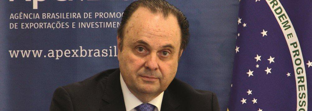 Apex era 'jardim da infância' sob influência do filho de Bolsonaro, diz embaixador demitido
