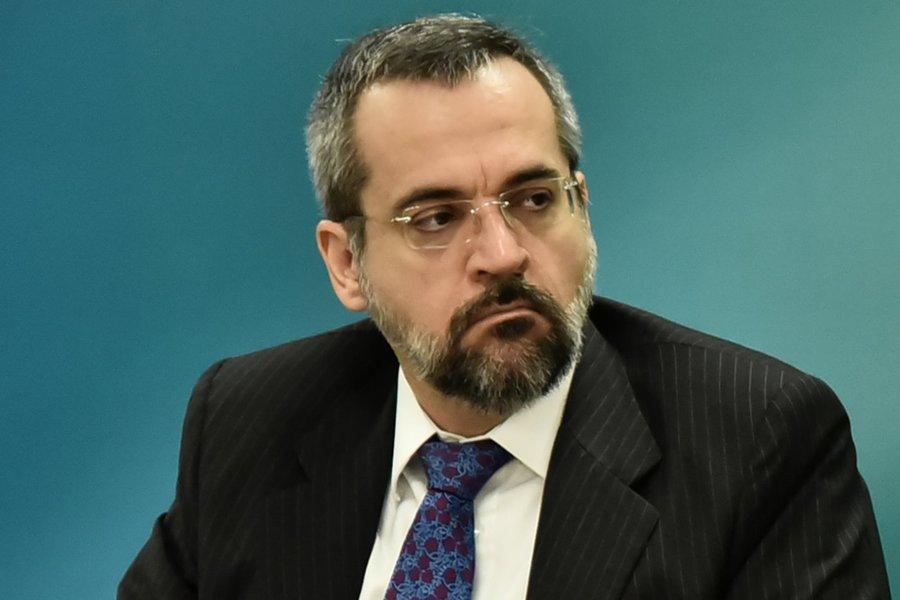 Em palestra, ministro da Educação diz que 'catequizava' alunos em suas aulas
