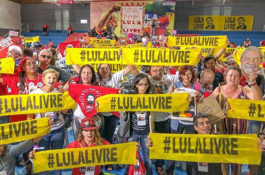 Lula Livre sintetiza a luta pela democracia