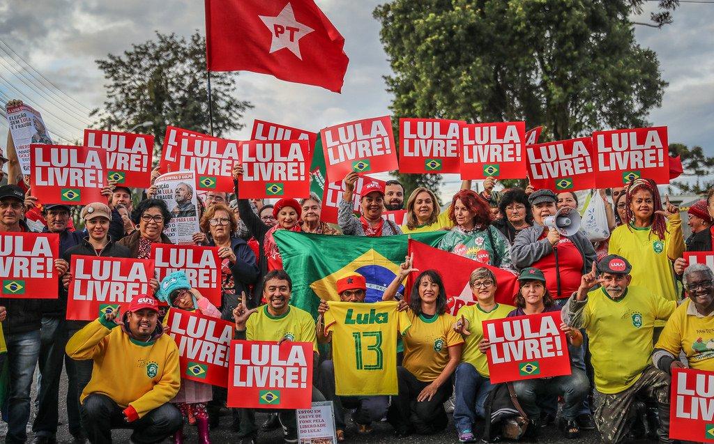 A prisão de Lula e o golpe de 2016