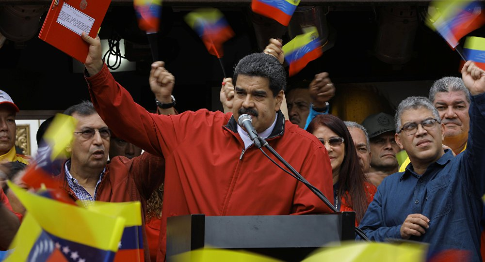 Maduro pede à comunidade mundial que exija que os EUA parem de agredir a Venezuela