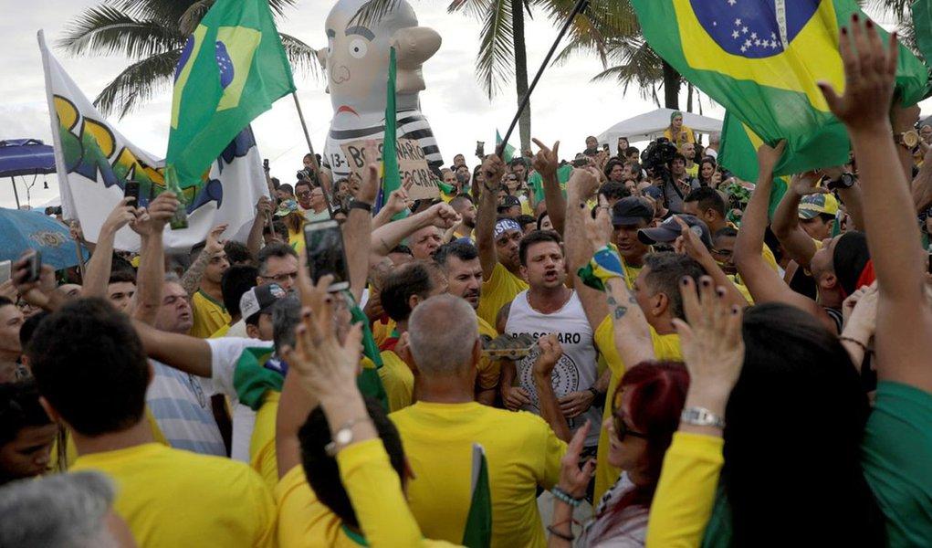 Mais da metade dos eleitores das regiões que elegeu Bolsonaro está frustrada