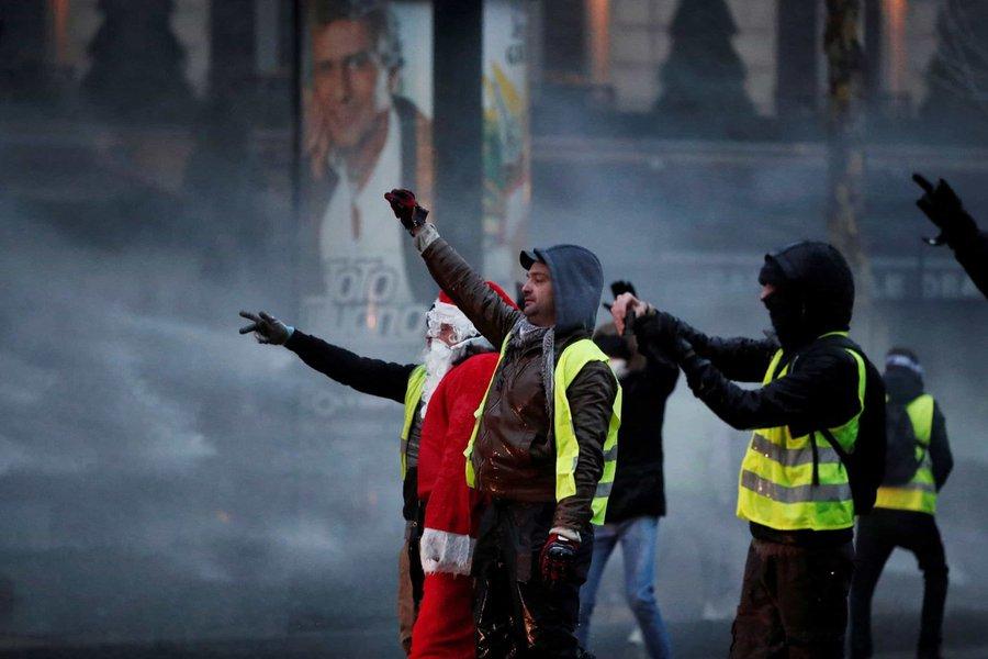Coletes amarelos fazem protesto mais fraco desde início do movimento na França