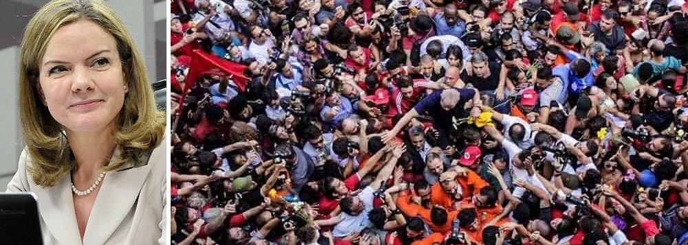 'Se abandonar Lula for condição para fazer alianças, nós não faremos', diz Gleisi