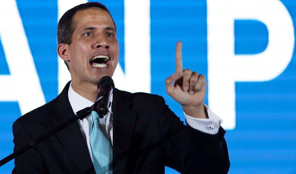 Oposição venezuelana adotará medidas contra venda de petróleo para Cuba