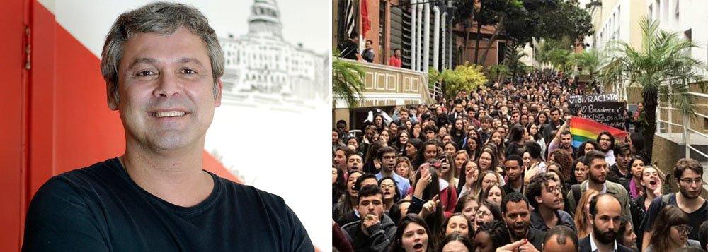Lindbergh: resistência a Bolsonaro vai vir das ruas e dos estudantes