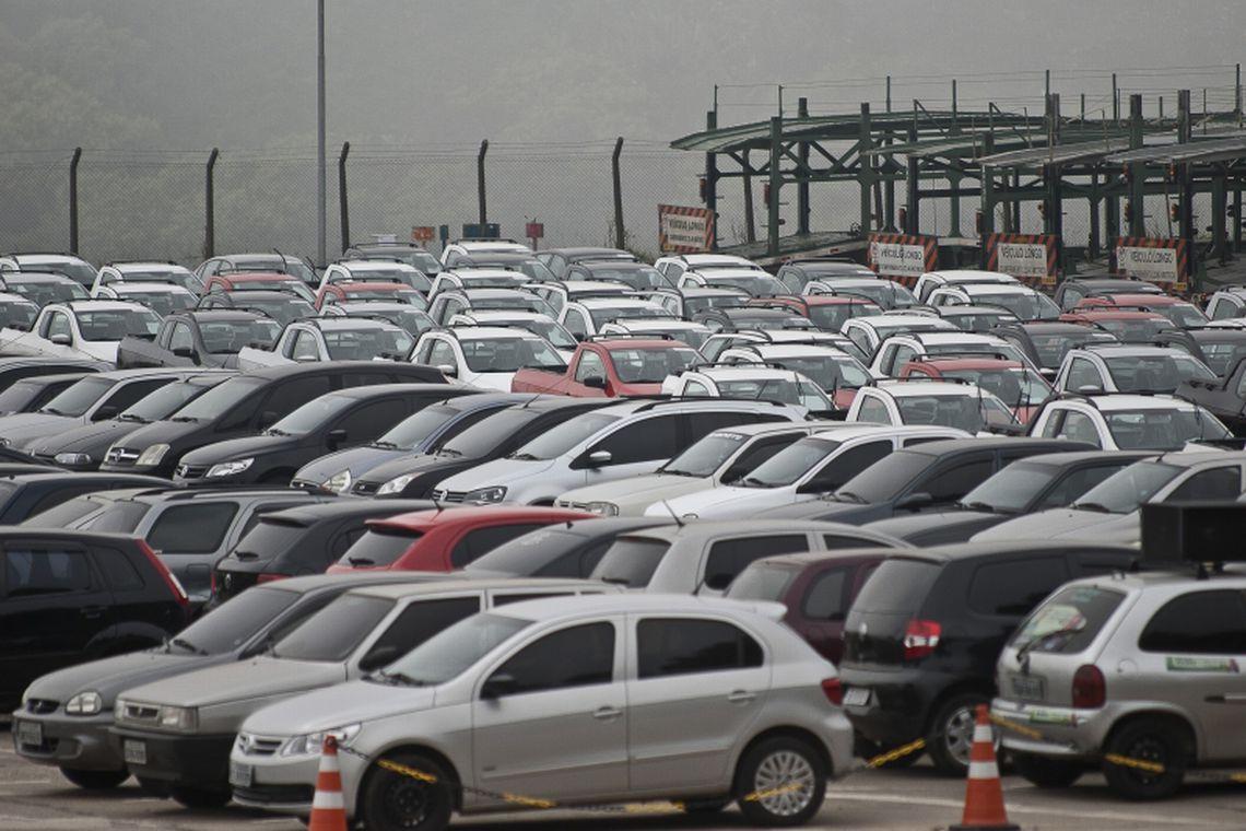Produção de veículos tem queda de 10% em março, mostra Anfavea
