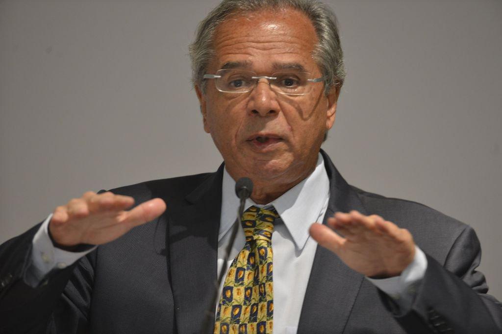 Guedes defende venda de ativos do Estado para enxugar máquina pública