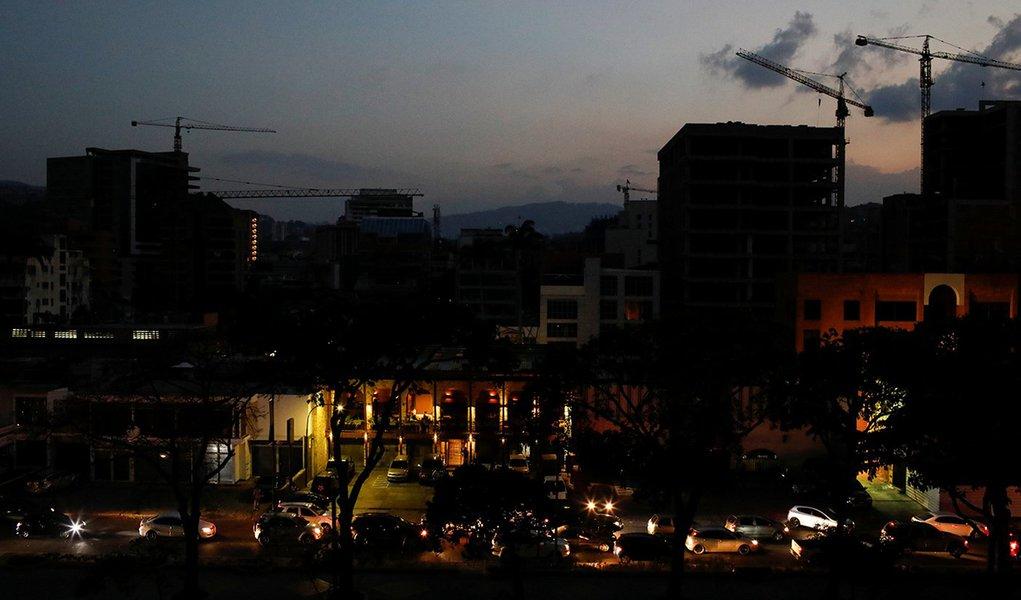 Novo apagão foi 'ataque de magnitude' contra rede elétrica, diz Venezuela