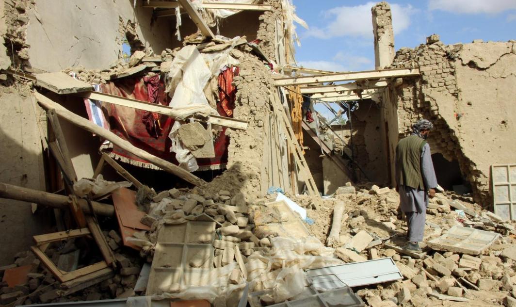Ataques aéreos matam civis no Afeganistão