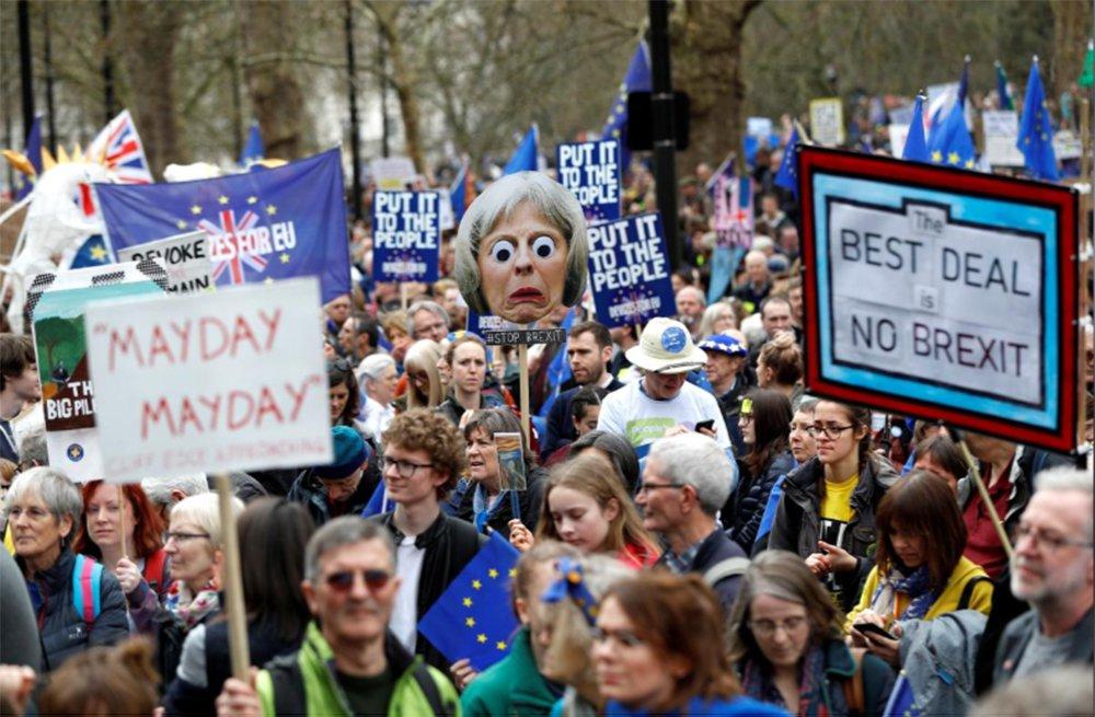 Milhares de manifestantes pedem em Londres novo referendo do Brexit