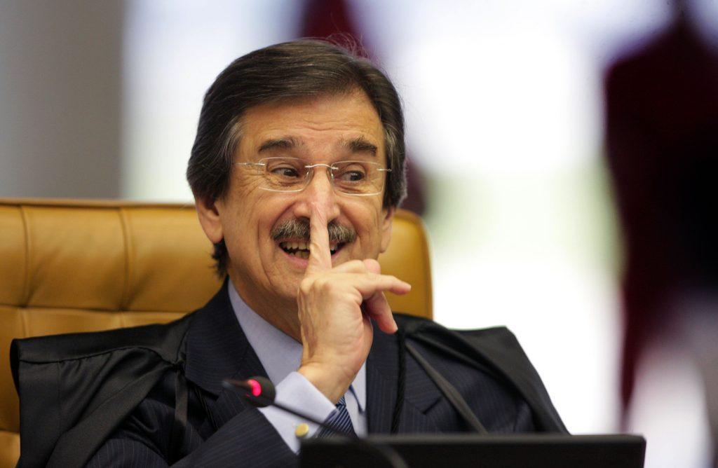 Cezar Peluso: 'juízes estão tentados a se tornarem porta-vozes das ruas'