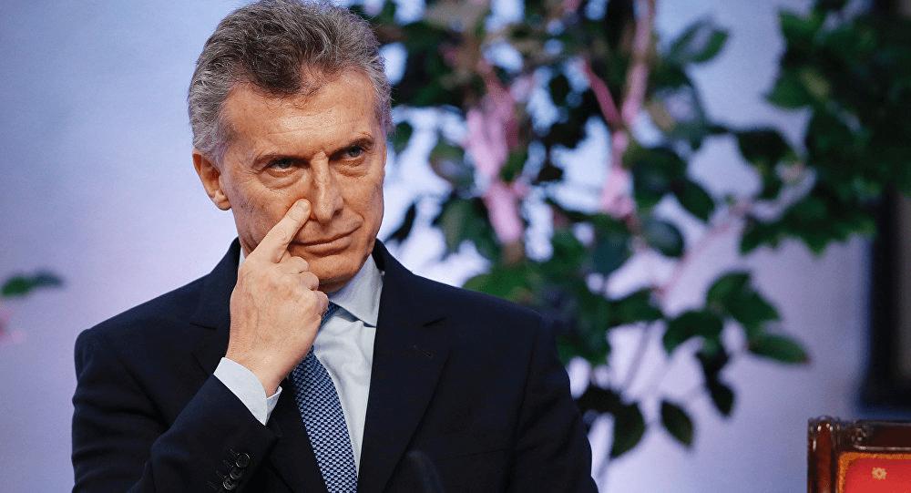 Com Macri, economia argentina recua 2,5% e país lidera frustração econômica
