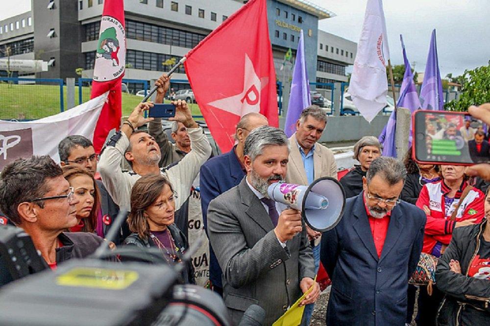 Após visita, juiz reforça inocência de Lula e agradece: 'Trabalhou contra corrupção'