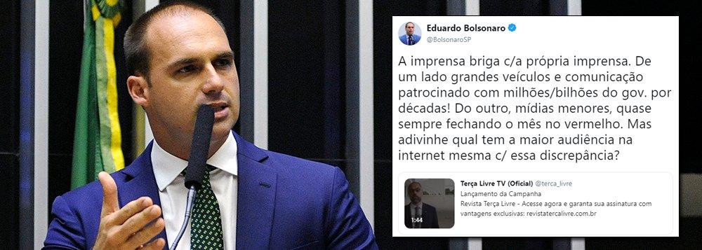 Eduardo Bolsonaro faz campanha para site que divulgou fake news sobre jornalista do Estado