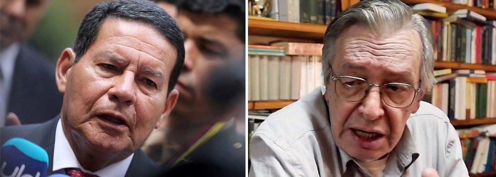 Chamado de idiota, Mourão decide processar Olavo, guru de Bolsonaro