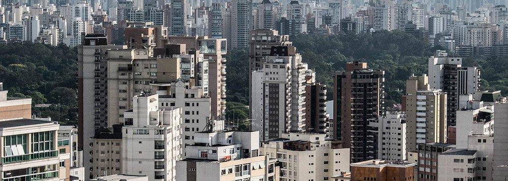 No país da informalidade, cresce número de domicílios sem renda do trabalho
