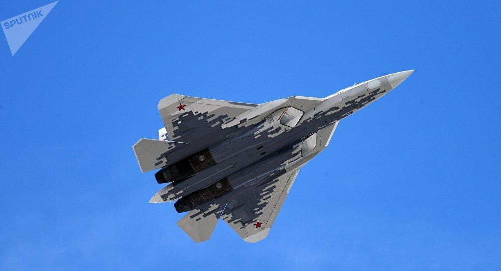 Putin apresenta 'o melhor avião de combate do mundo'