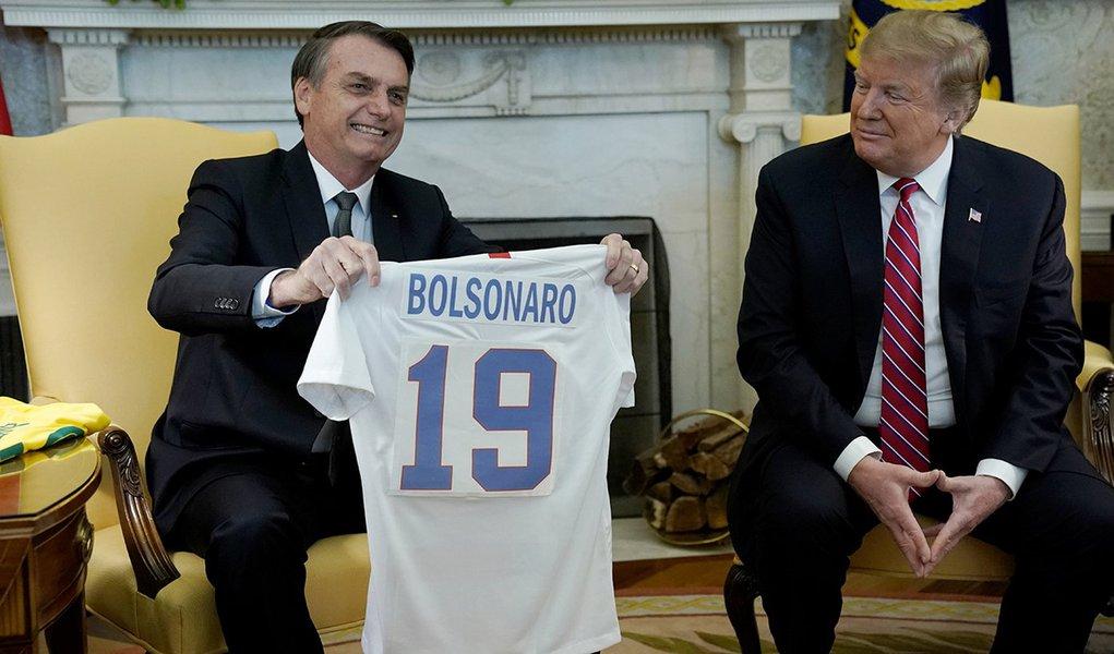 Bolsonaro bajula Trump, que cogita guerra contra Venezuela