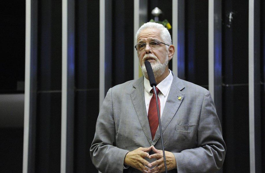 Jorge Solla: Bolsonaro é um alucinado envolvido até o pescoço com a milícia