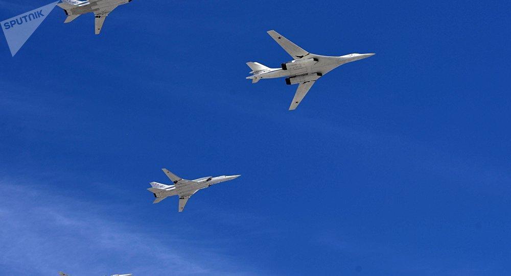 Rússia desloca bombardeiros estratégicos para a Crimeia
