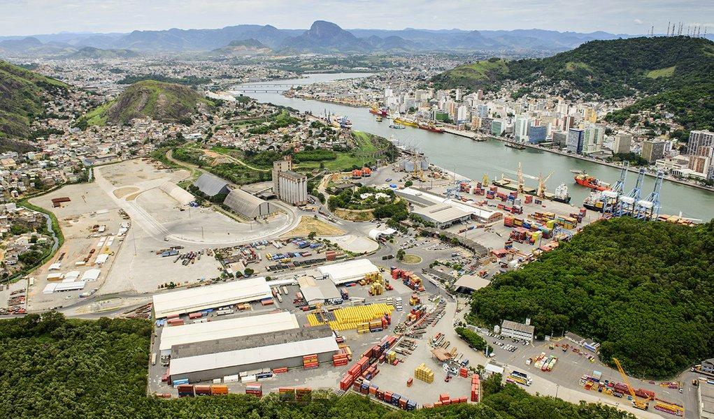 Governo Bolsonaro leiloa 4 áreas portuárias por apenas 'R$ 1,00' cada