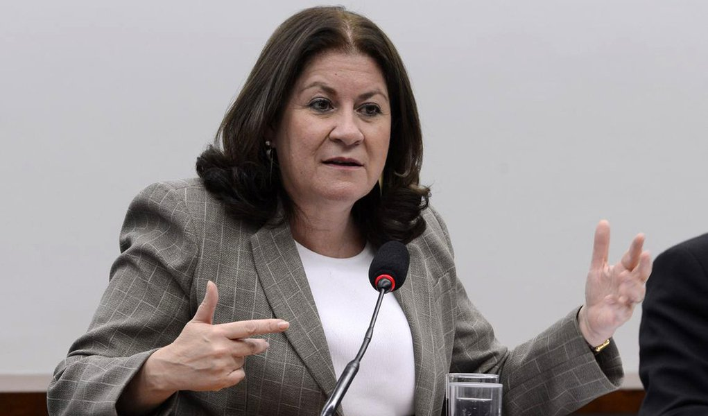 Miriam Belchior: vivemos um desprezo do Estado pelo protagonismo das mulheres