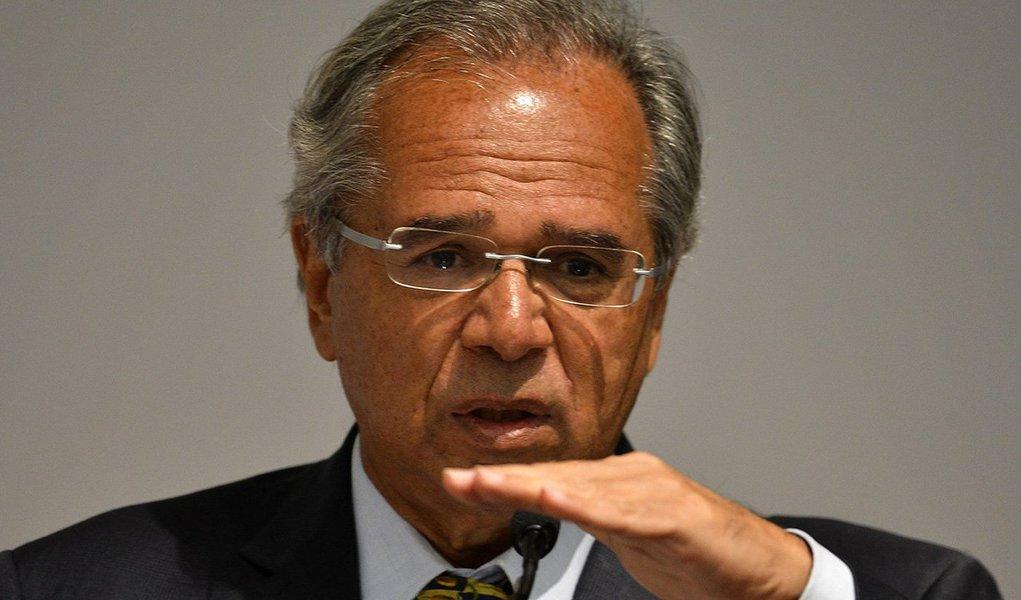 'No final vai Petrobrás, vai Banco do Brasil, tem que ir tudo', diz Guedes sobre privatizações