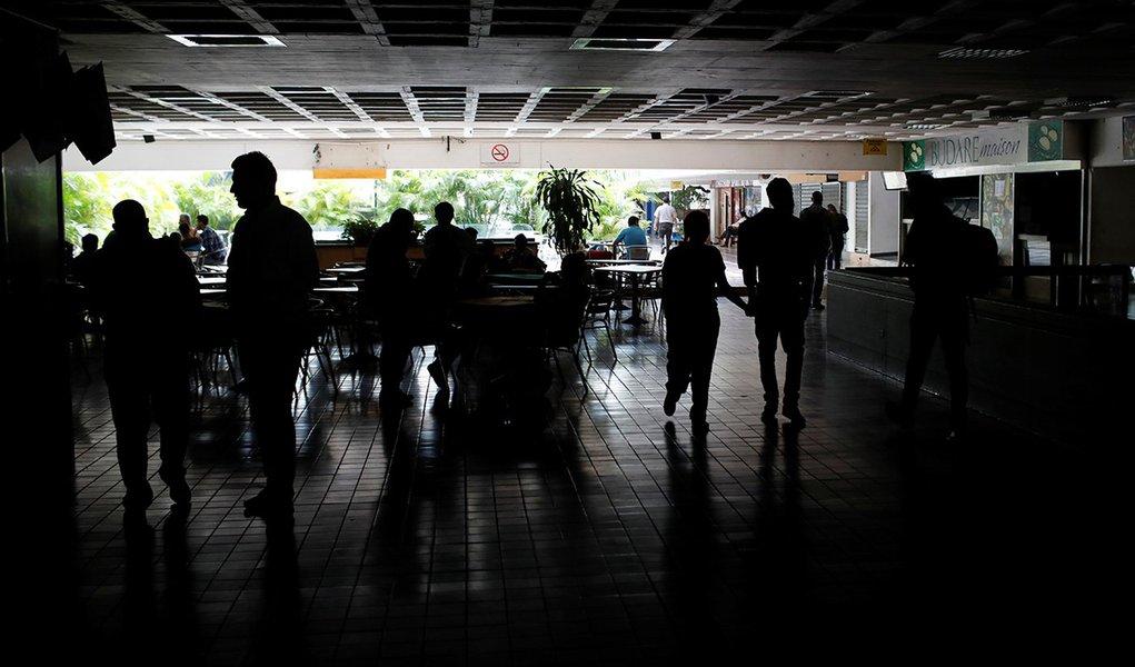 Blecaute na Venezuela foi provocado do exterior, diz Rússia