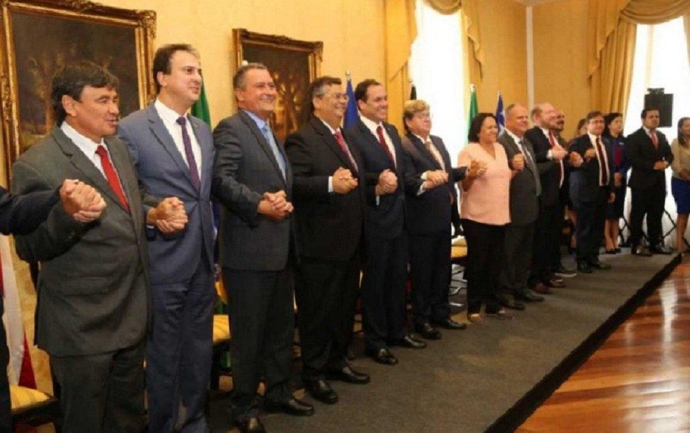 Governadores nordestinos montam grupo para resistir a Bolsonaro