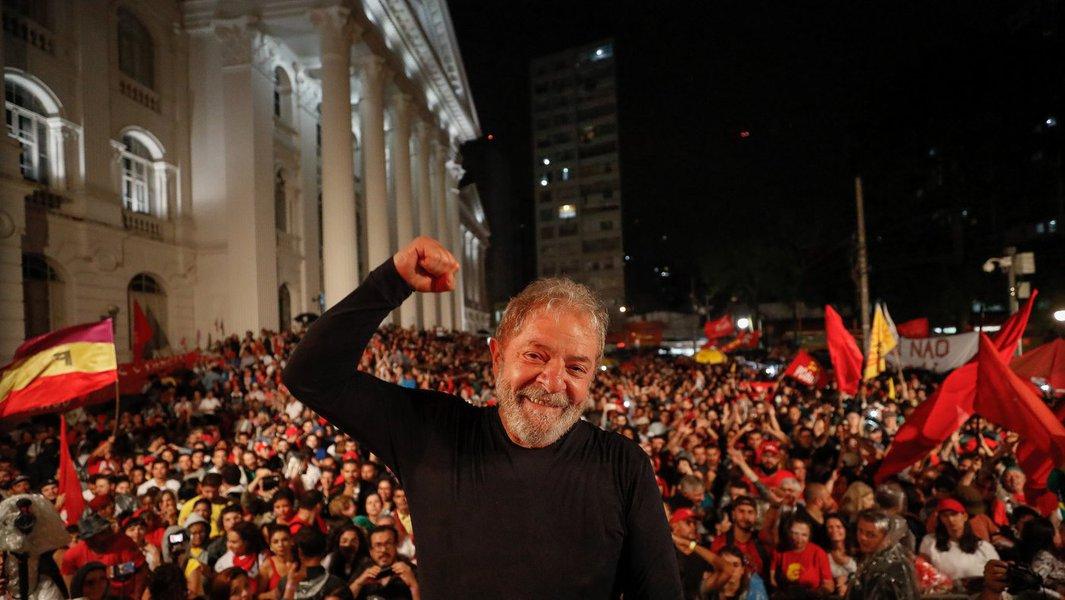Lula é premiado pela maior central sindical dos EUA e Canadá