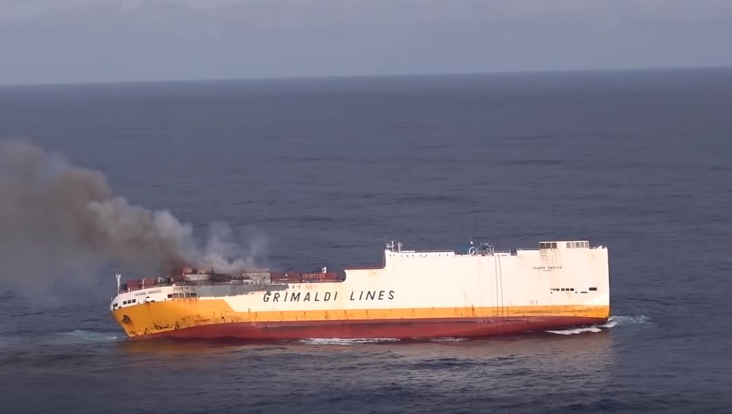 Naufrágio de navio pode provocar derramamento de óleo na costa francesa