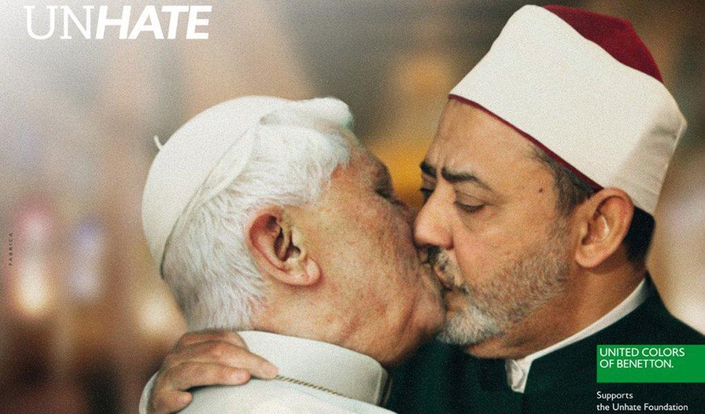 O papa não gostou do beijo