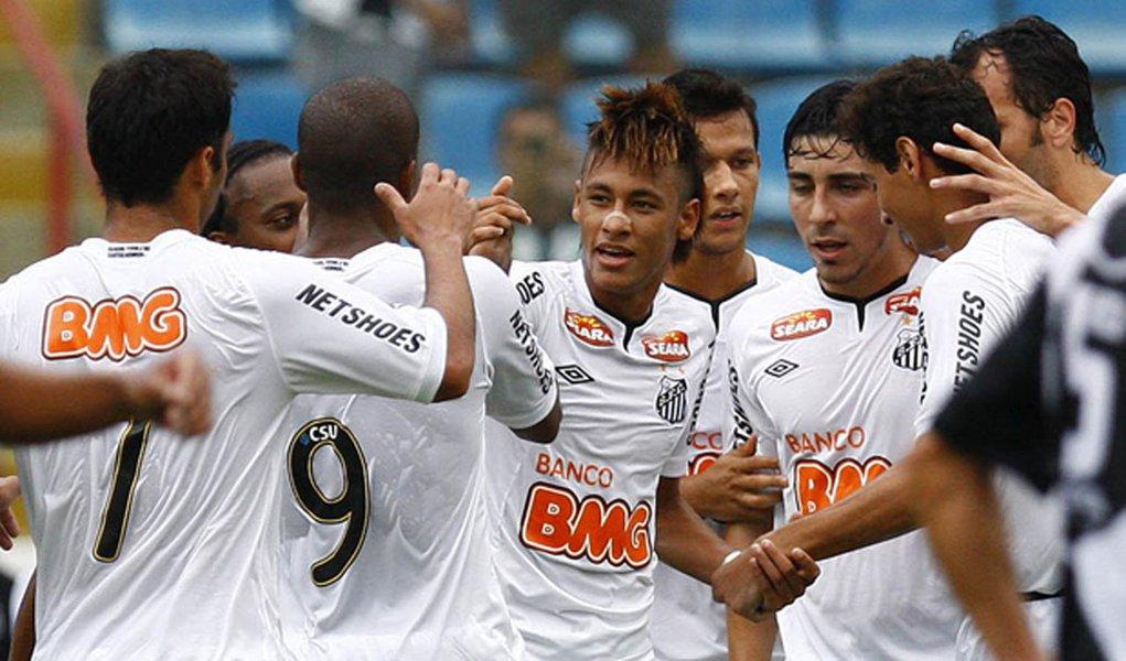 Em dia de Neymar, Santos goleia Ponte Preta
