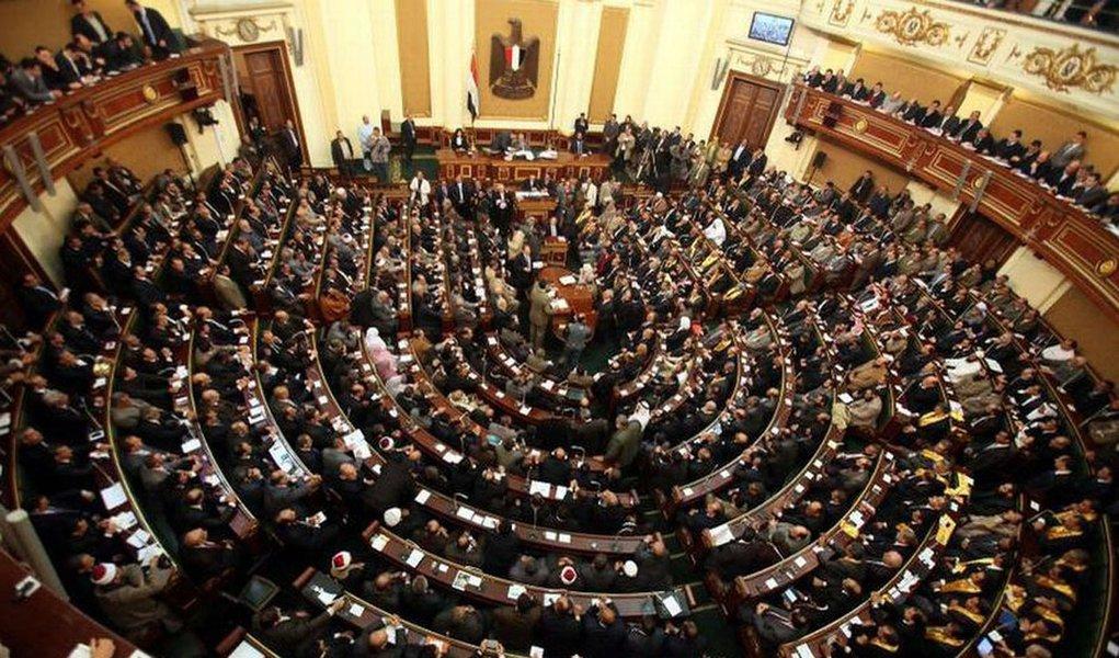 Islâmicos dominam eleição parlamentar no Egito