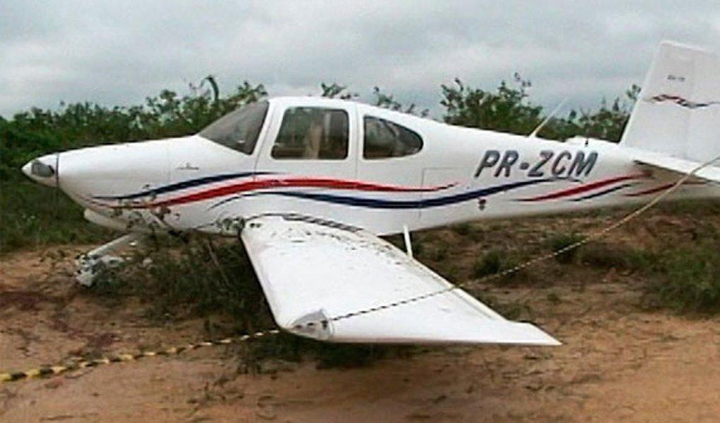 Ex-político se joga de avião