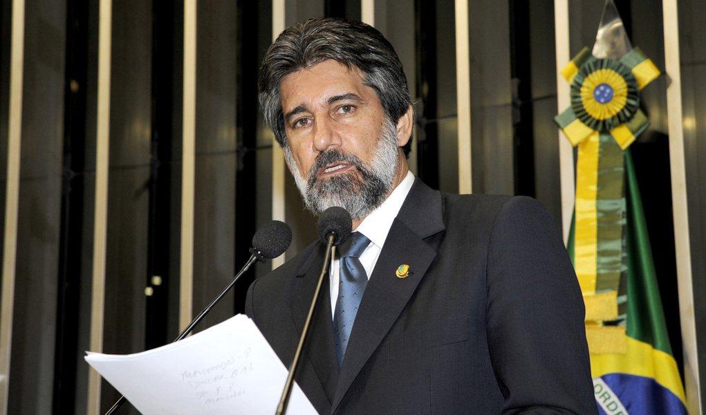 PMDB declara 'apoio' para enxugamento dos Ministérios