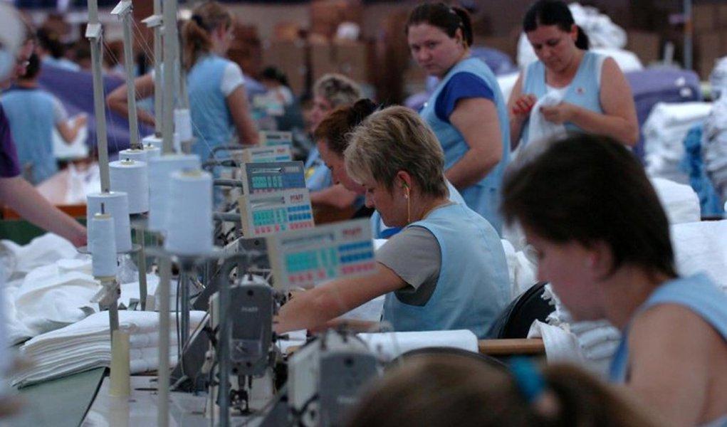 Câmbio alto e medidas do governo ajudam indústria têxtil