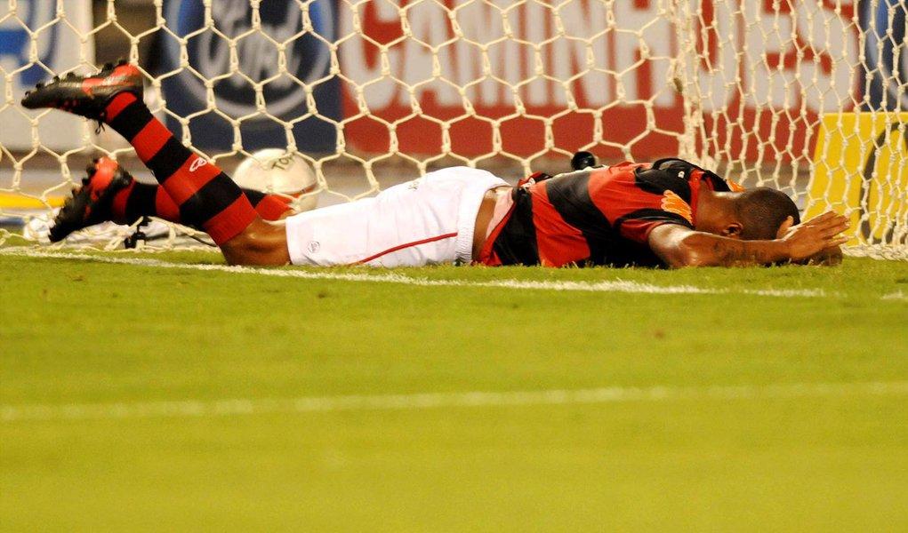 Após perder gol, Deivid faz a felicidade de vascaínos e tuiteiros