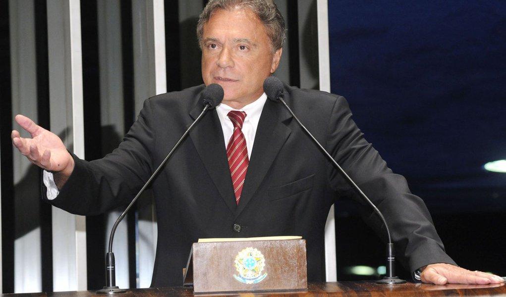 Álvaro Dias também pede Serra em São Paulo